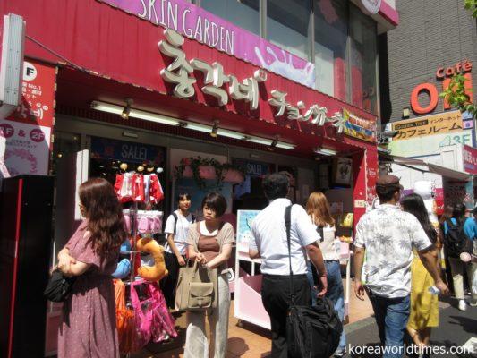 K-POPアイドルたちや韓国グルメの有名店に隠れてフーゾク店あり