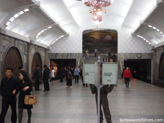 神秘の地下鉄解禁。世界一高いメトロ