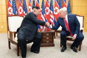 北朝鮮の金正恩委員長に定期的に浮上する重病説