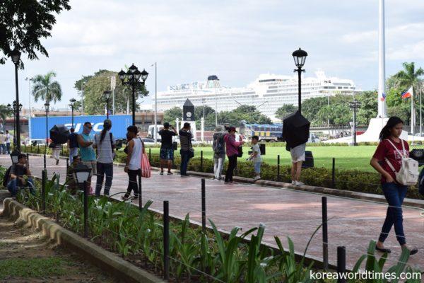 韓国系団体が少女像を市長同席で設置するも2日で撤去