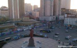 北朝鮮との国境を接する丹東駅前