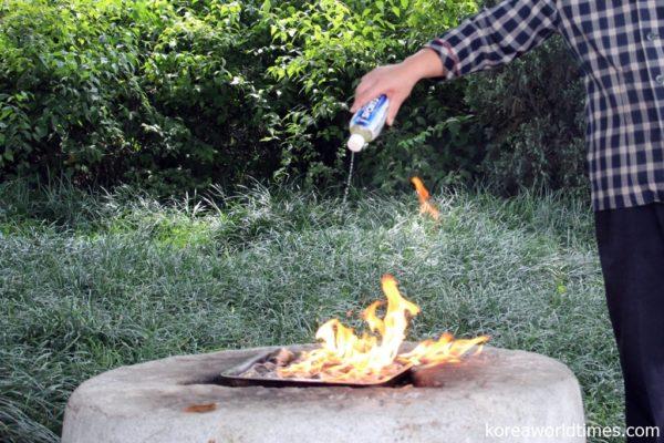 """高熱で一気に焼き上げる「焼きハマグリ」""""ハマガソ"""""""
