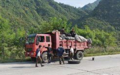 鉱物輸送を支えるトラック
