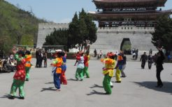 体操?踊り?北朝鮮の女性たち