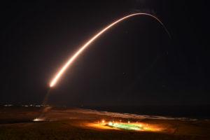 「焦点は北朝鮮」表明後に米空軍がICBM発射実験