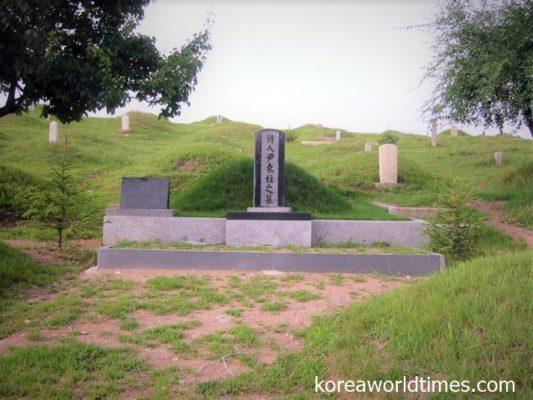 日本人学者が見つけ出したお墓