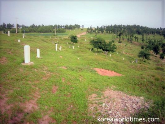 龍井中心部から東南3kmにある尹東柱の墓地