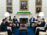 米韓首脳が対北方針発表 北朝鮮次第では対話再開も