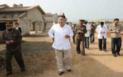 北朝鮮黄海北道で建設中の養鶏場を視察する金正恩党委員長(当時)