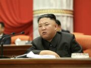 金正恩氏が新型コロナ「重大事件発生」で激怒 突然の党最高幹部解任