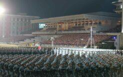金日成広場での軍事パレード