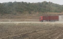 北朝鮮のトラック