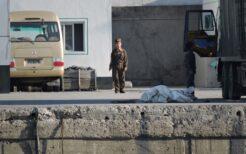 数十m間隔で警備する北朝鮮兵士