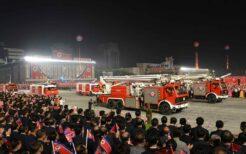 閲兵式に登場した消防車
